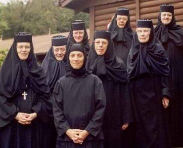 Romanian nuns